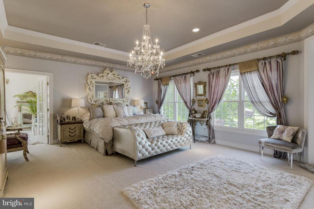 Master suite, very peaceful and tranquil - 38414 DITCHLING PL, HAMILTON