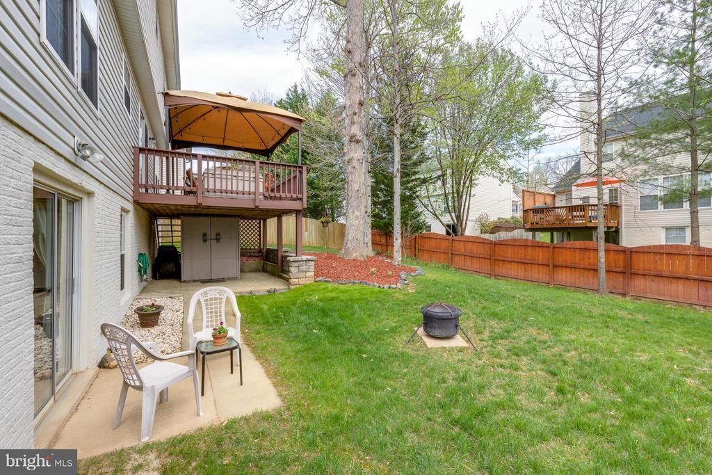 ~ Walk-Out Basement into Backyard ~ - 15 STONERIDGE CT, STAFFORD