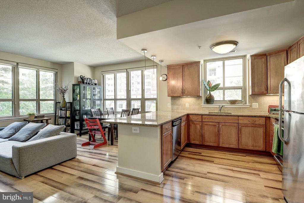 Perfect for entertaining - 888 QUINCY ST #201, ARLINGTON