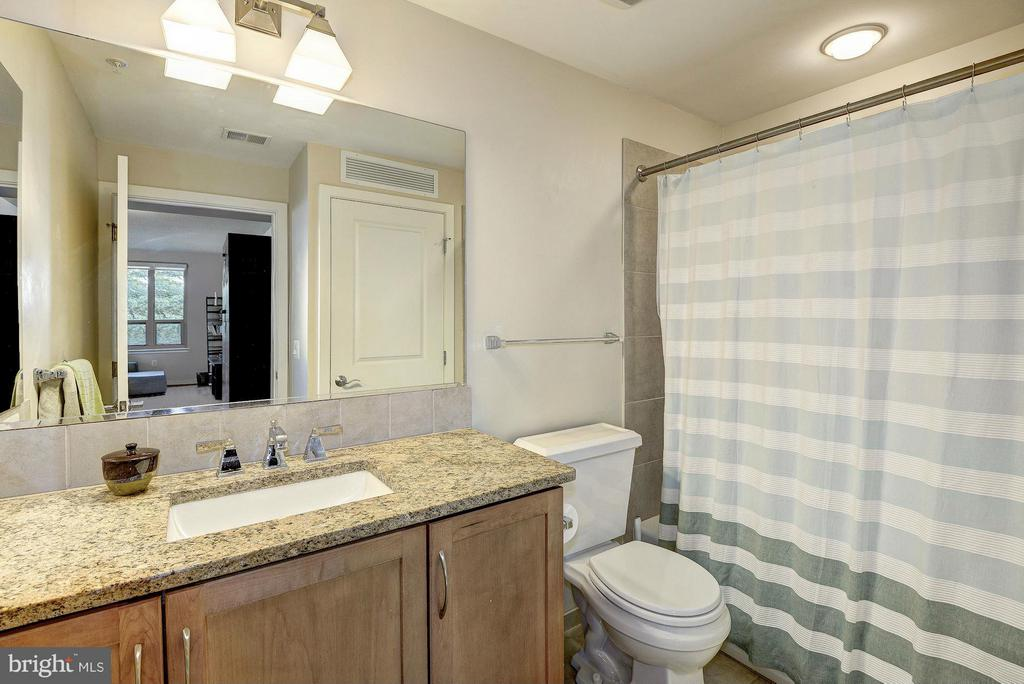 Second bath - 888 QUINCY ST #201, ARLINGTON