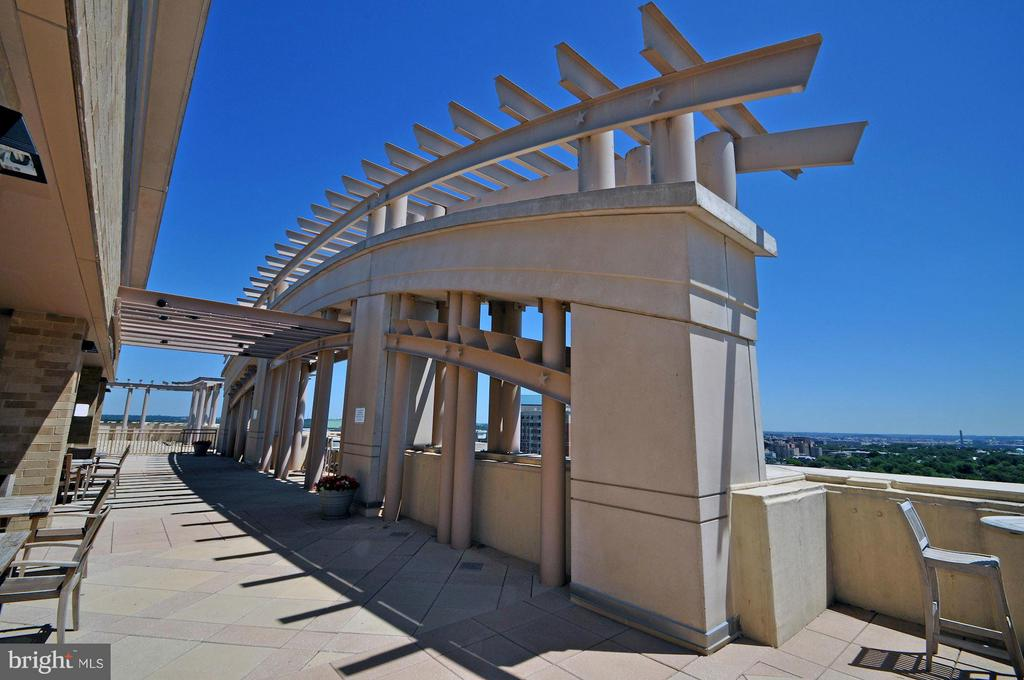 Rooftop deck - 888 QUINCY ST #201, ARLINGTON