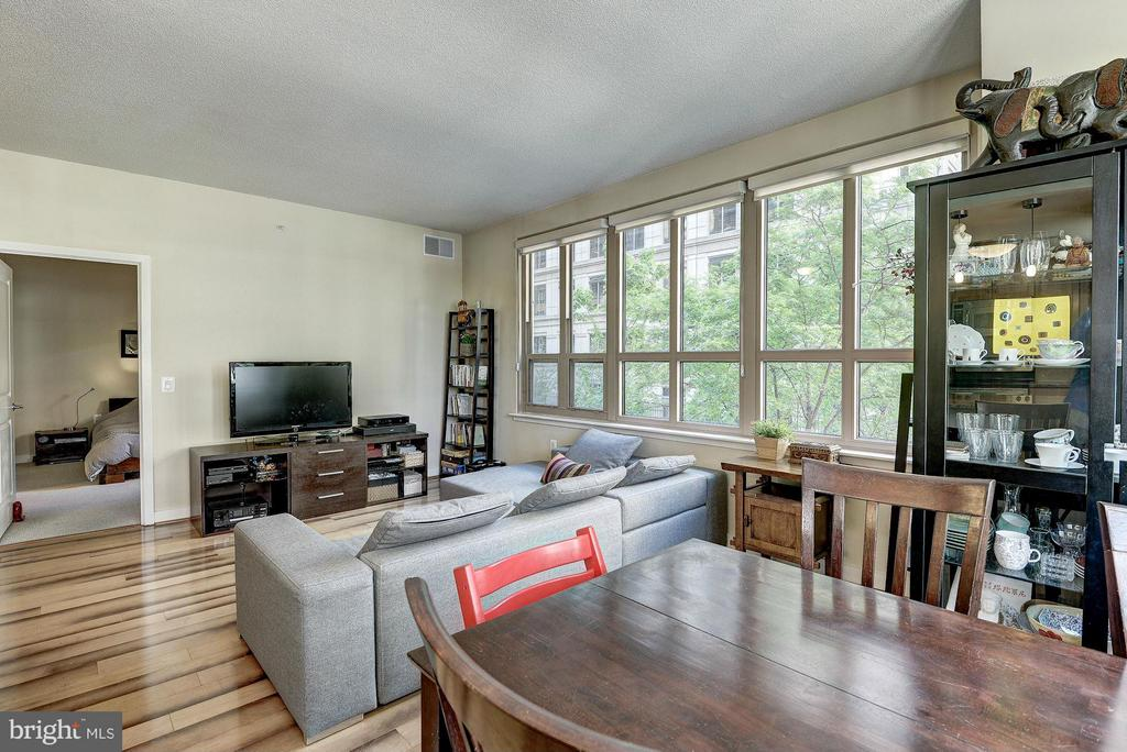 Open layout - 888 QUINCY ST #201, ARLINGTON