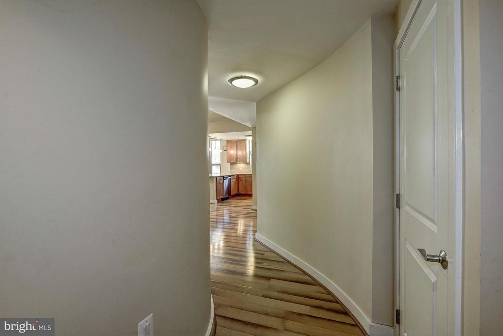 Entrance - 888 QUINCY ST #201, ARLINGTON