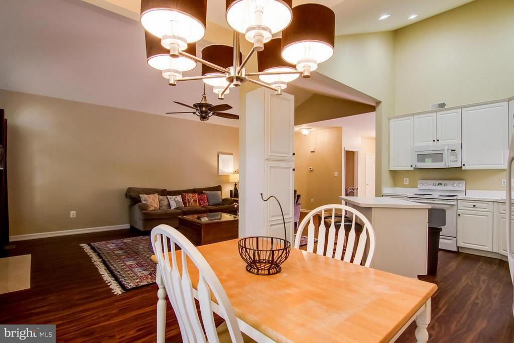 Eat In Kitchen - 14870 HARVEST MOON LN, WOODBRIDGE