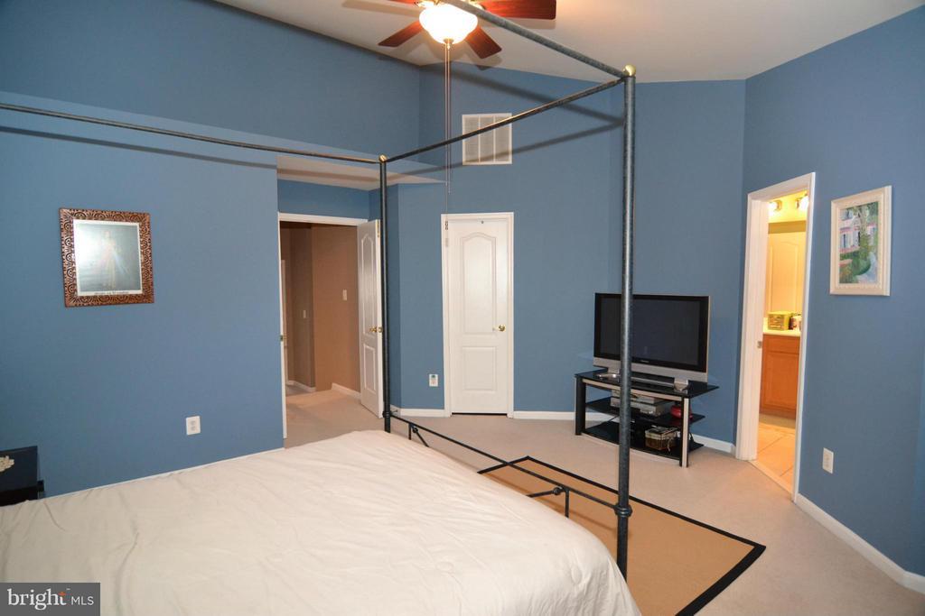 Bedroom (Master) - 21900 SCHENLEY TER, BROADLANDS