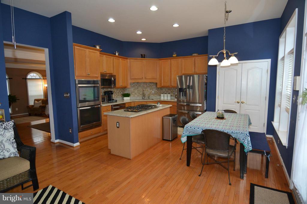 Kitchen - 21900 SCHENLEY TER, BROADLANDS