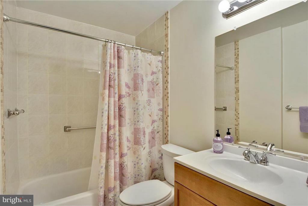 Bath Lower Level Full bath - 2615 BLACK FIR CT, RESTON