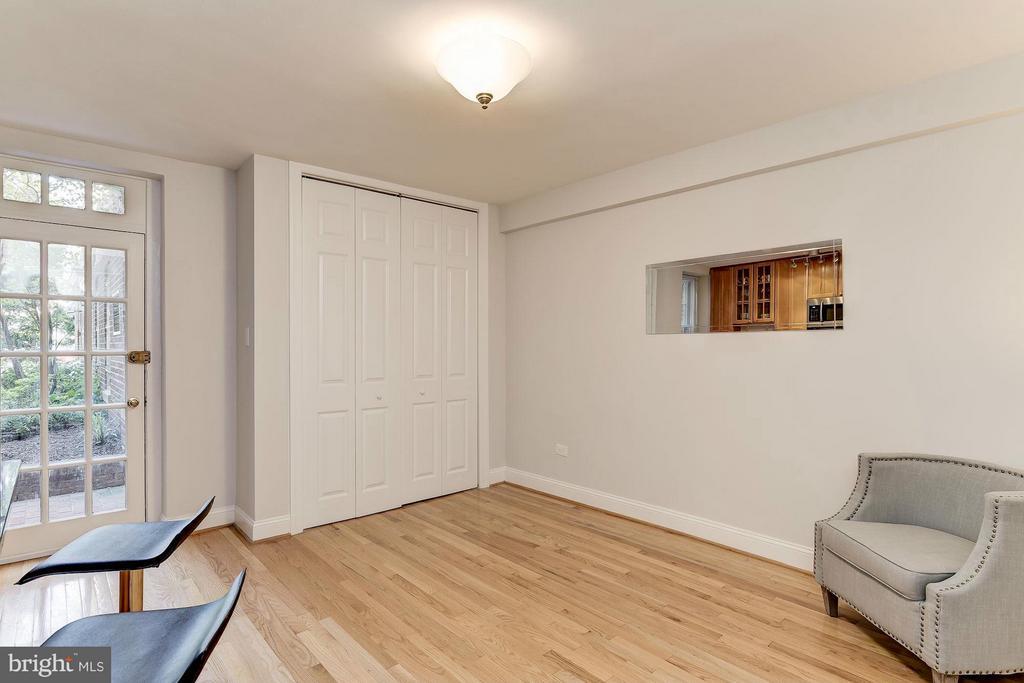 Living Room - 2410 20TH ST NW #8, WASHINGTON