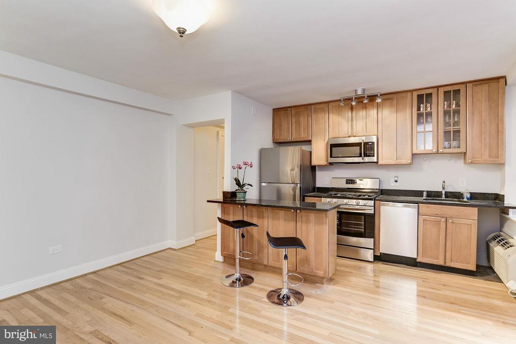 Open Kitchen makes your space more efficient! - 2410 20TH ST NW #8, WASHINGTON