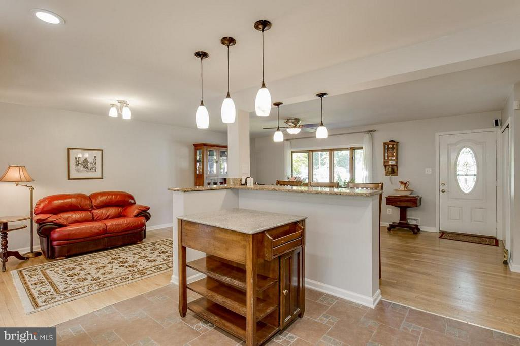 Kitchen open to dining room and sitting room - 4300 ANDES DR, FAIRFAX