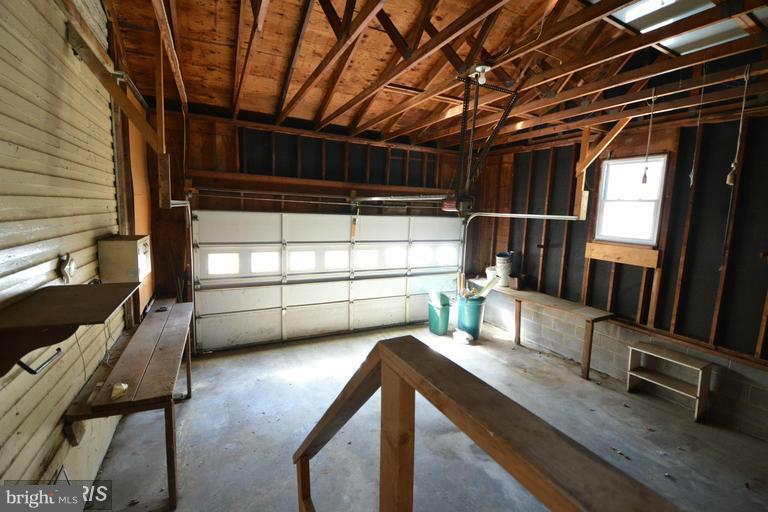 Garage - 517 FAIRMONT AVE, WINCHESTER