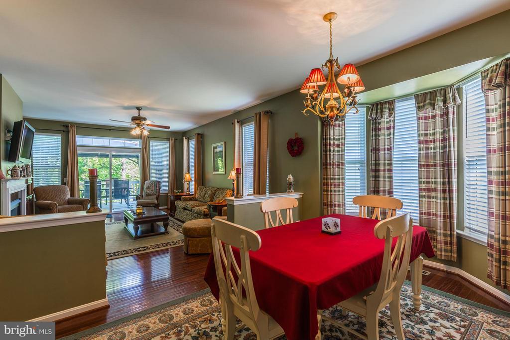 Breakfast Room towards Family Room - 16230 TIMID CREEK CT, DUMFRIES