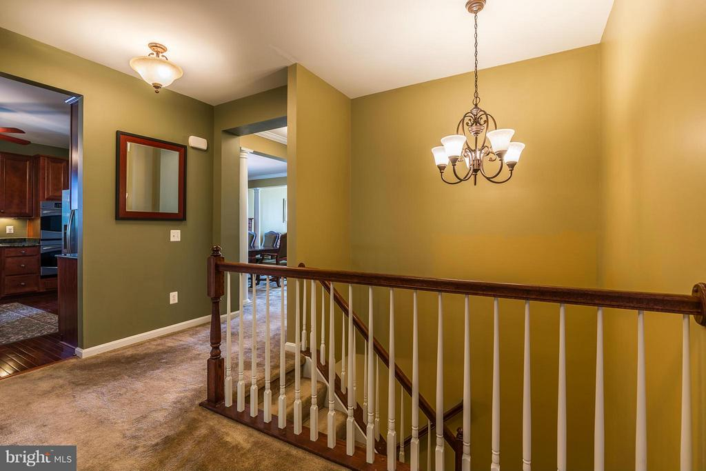 Updated Light Fixtures Throughout - 16230 TIMID CREEK CT, DUMFRIES