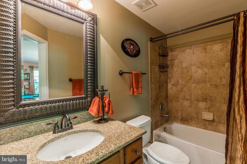 Full Bath on Lower Level - 16230 TIMID CREEK CT, DUMFRIES