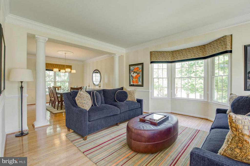 Living Room - 10850 GROVEHAMPTON CT, RESTON