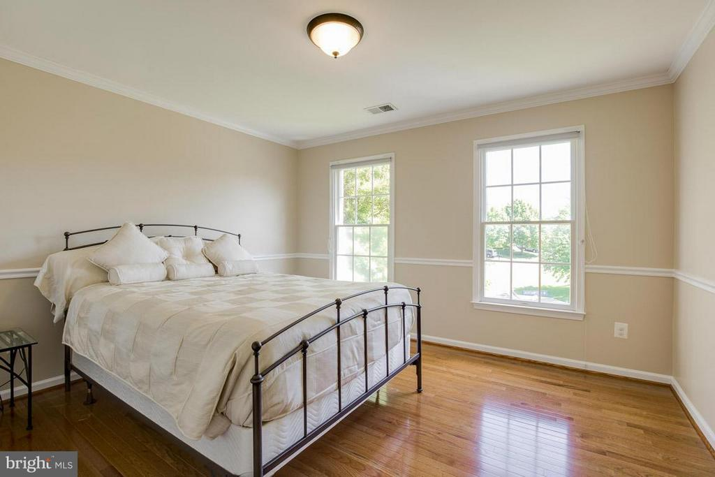 Bedroom 5 - 10850 GROVEHAMPTON CT, RESTON