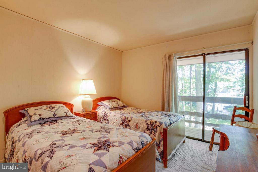 Bedroom Two Lakeside - 601 CORNWALLIS AVE, LOCUST GROVE