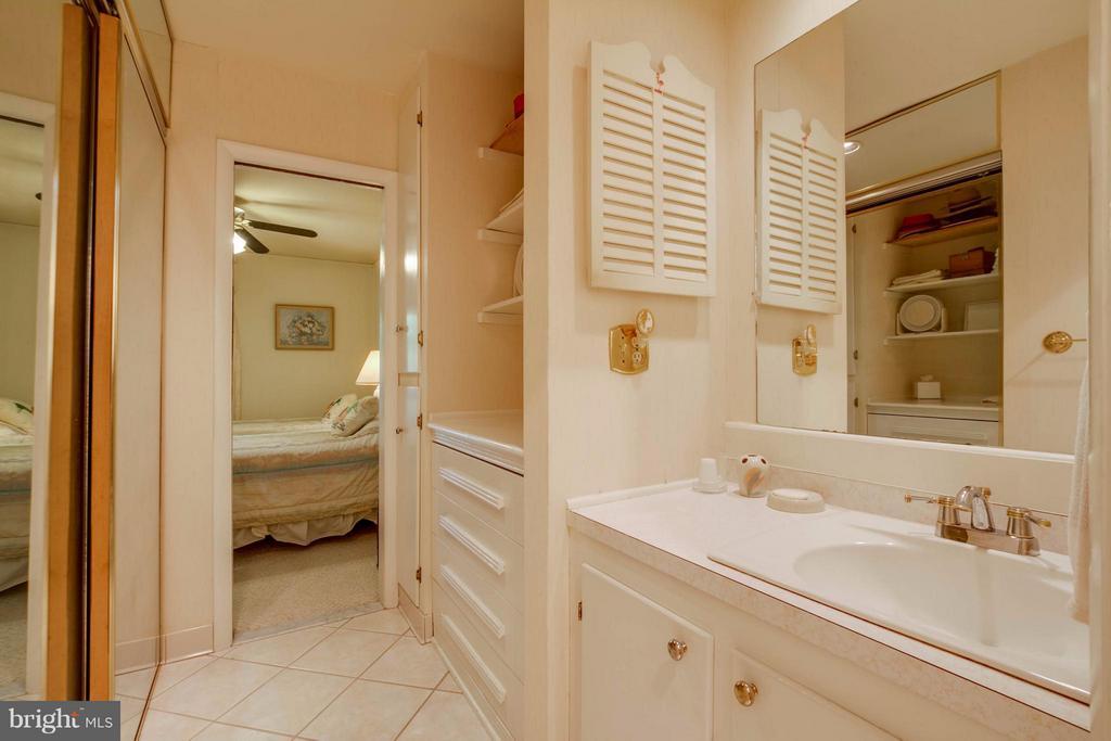 Oriiginal Master Bath - 601 CORNWALLIS AVE, LOCUST GROVE
