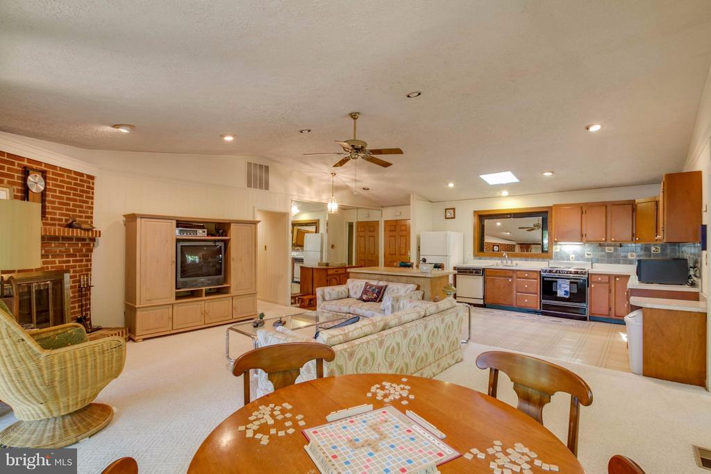 Great Room from Game area - 601 CORNWALLIS AVE, LOCUST GROVE