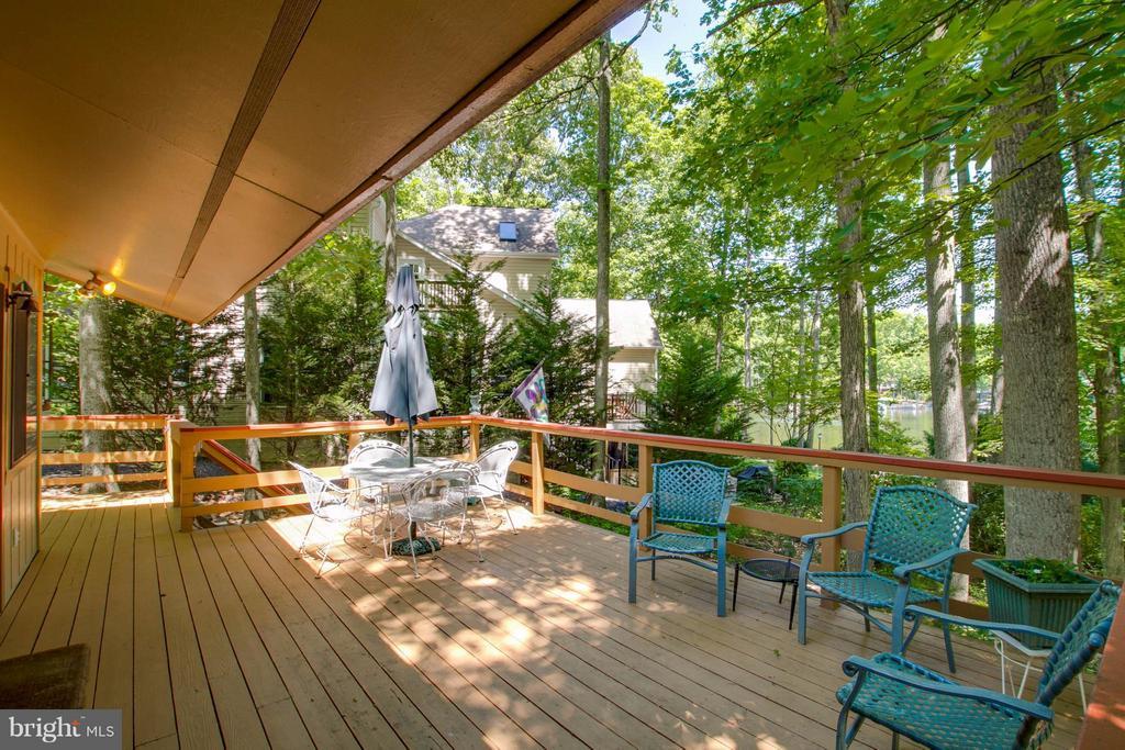 Outdoor Living Wrap Around Deck - 601 CORNWALLIS AVE, LOCUST GROVE