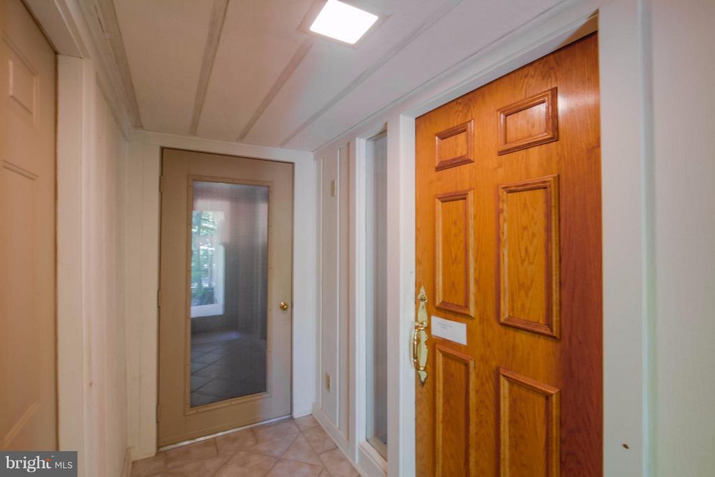 Entry Vestibule - 601 CORNWALLIS AVE, LOCUST GROVE