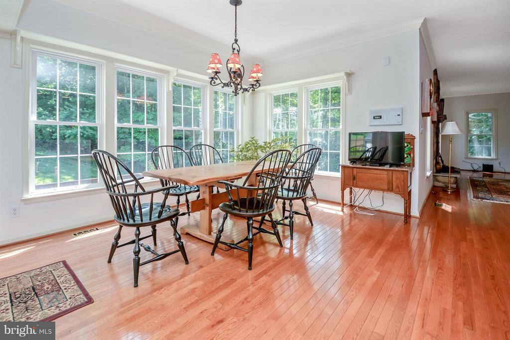 Kitchen Breakfast Nook - 13421 FOX CHASE LN, SPOTSYLVANIA