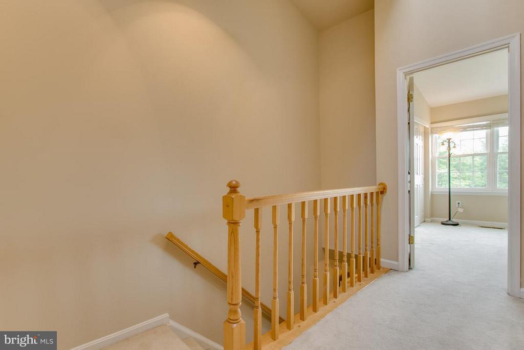 Bedrooms hallway - 12302 FIELD LARK CT, FAIRFAX