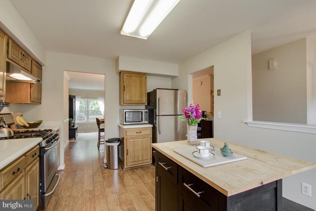 Kitchen - 12302 FIELD LARK CT, FAIRFAX