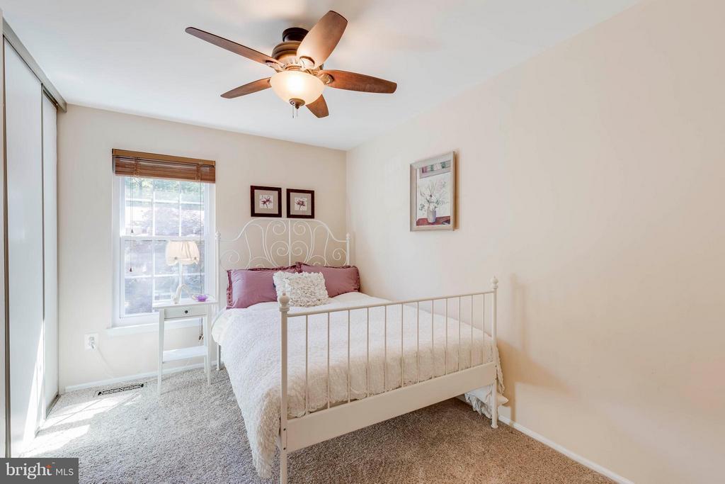 Third Bedroom - 5830 APPLE WOOD LN, BURKE