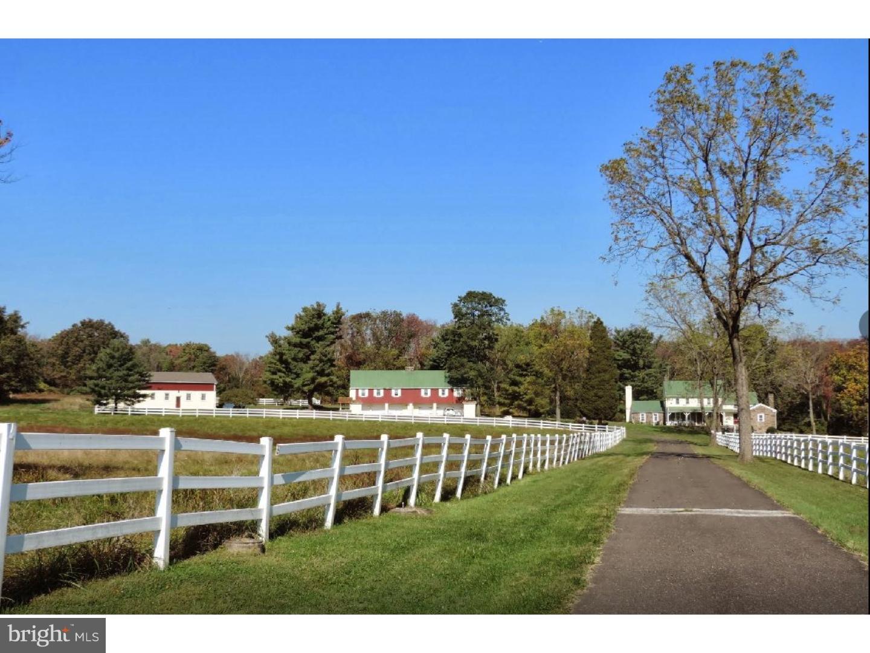 Maison unifamiliale pour l Vente à 2045 BETHEL Road Lansdale, Pennsylvanie 19446 États-Unis