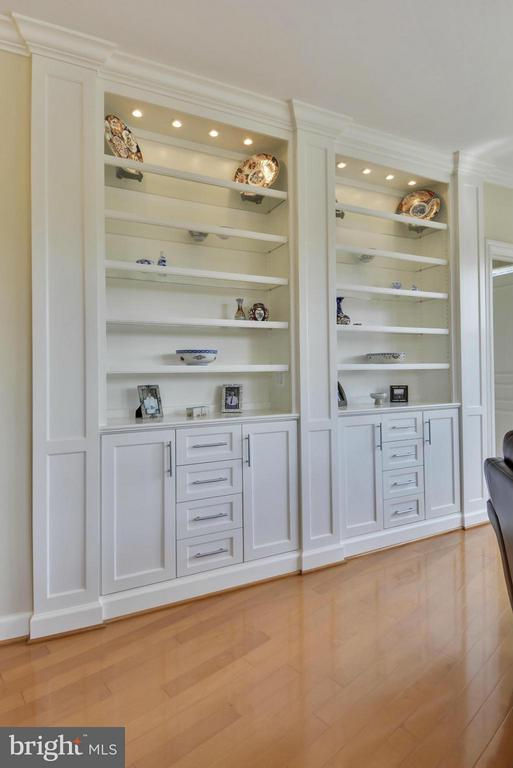 Custom Cabinets - 12001 MARKET ST #250, RESTON