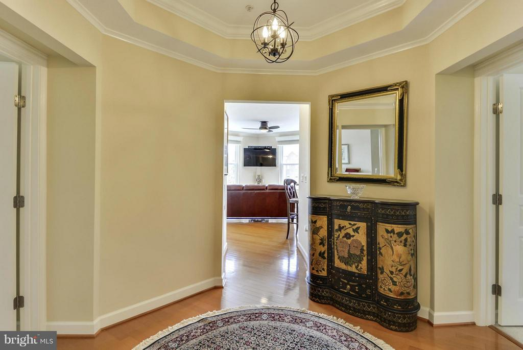 Foyer with Custom Moldings - 12001 MARKET ST #250, RESTON