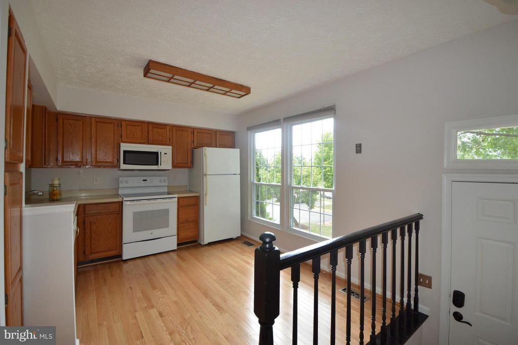 Kitchen - 13348 BURKITTS RD, FAIRFAX
