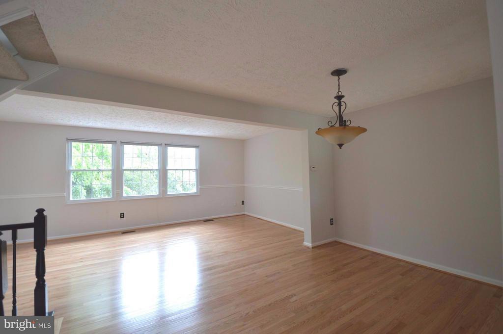 Living Room - 13348 BURKITTS RD, FAIRFAX