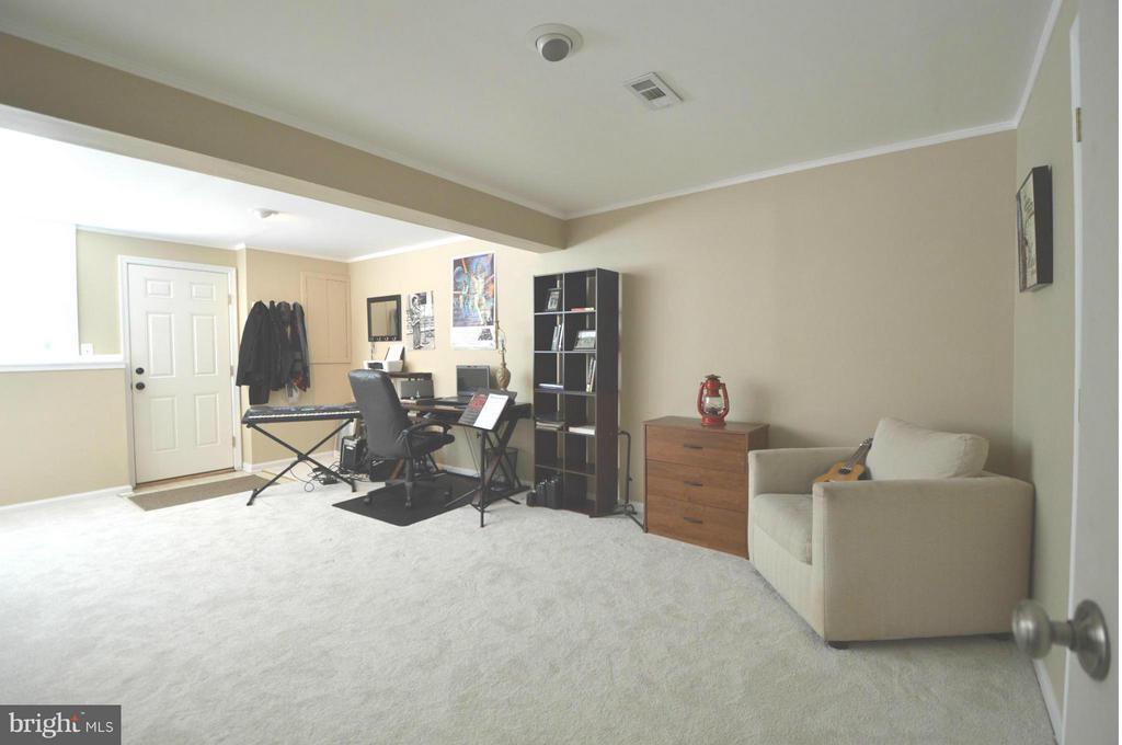 Bedroom - 13348 BURKITTS RD, FAIRFAX