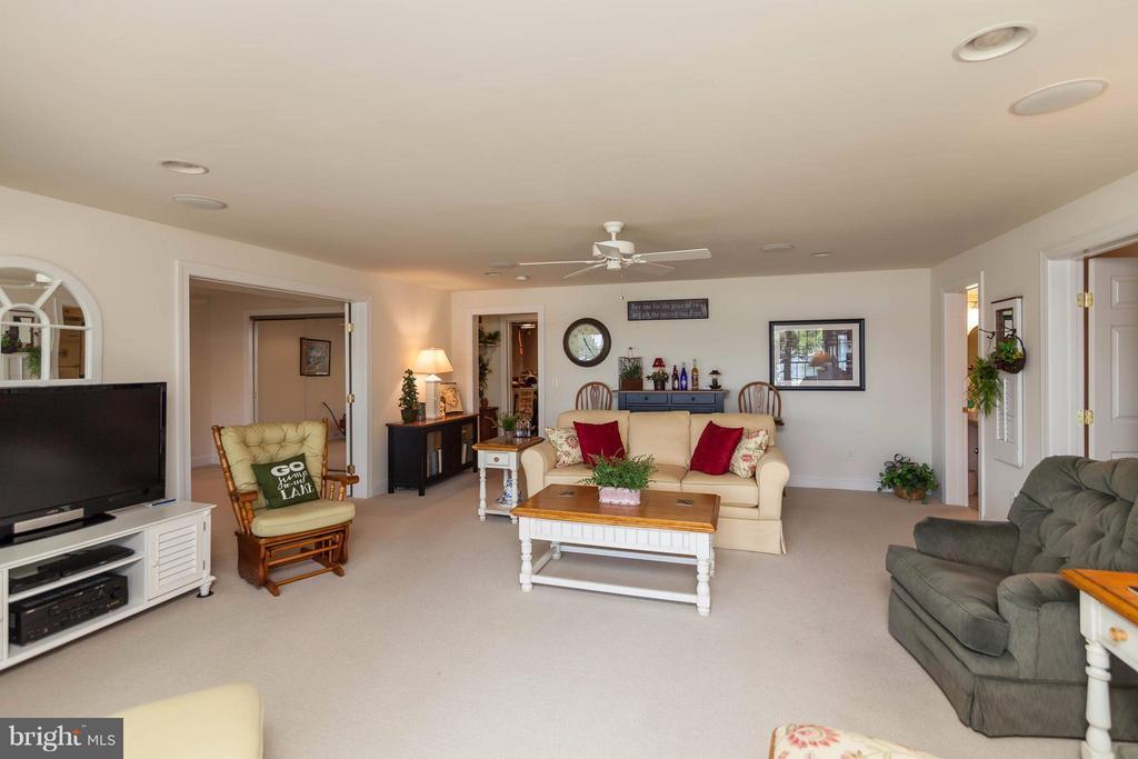 Family & Rec Room - 109 RAMSAY RD, LOCUST GROVE