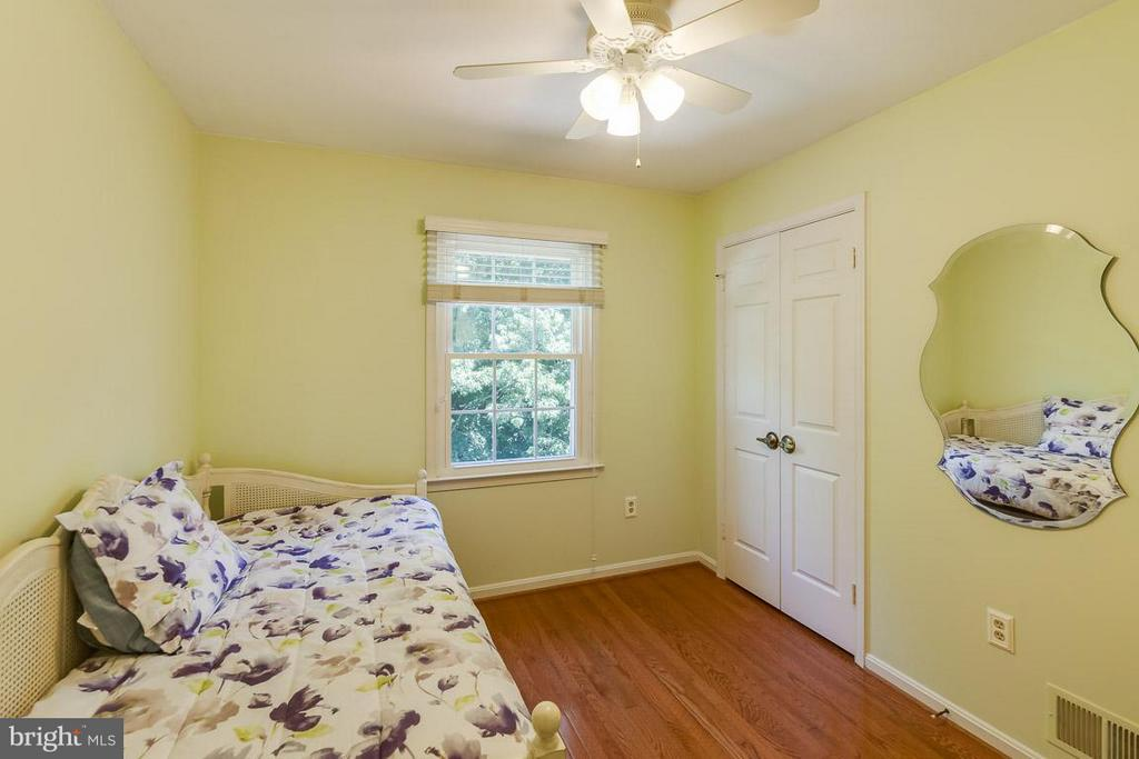 2nd bedroom - 7303 MALLORY LN, ALEXANDRIA