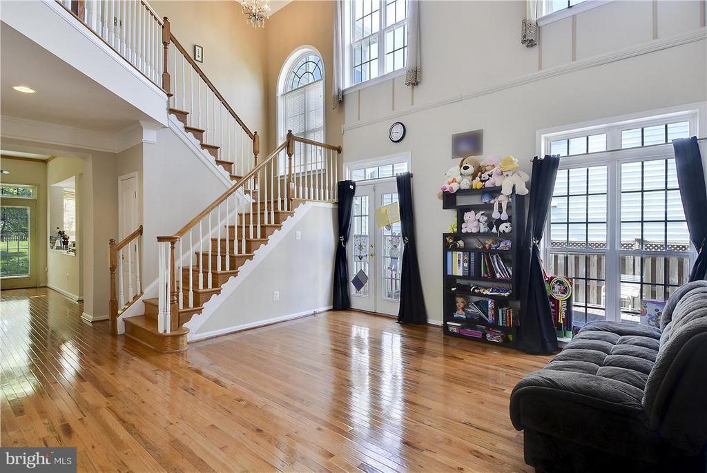 Living Room - 21935 WINDOVER DR, BROADLANDS