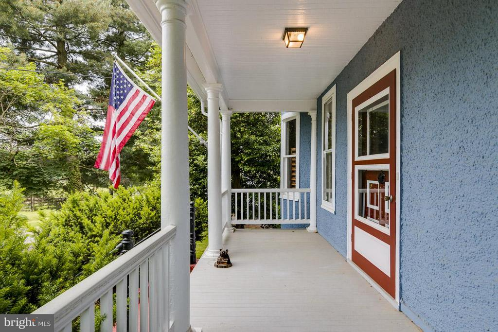 Front Porch - 36929 GAVER MILL RD, PURCELLVILLE