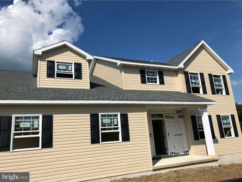 Casa Unifamiliar por un Venta en 799 NEW SCHAEFFERSTOWN Road Bernville, Pennsylvania 19506 Estados Unidos