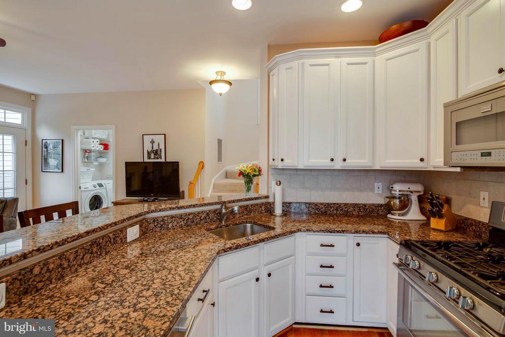 Kitchen - 20685 PARKSIDE CIR, STERLING