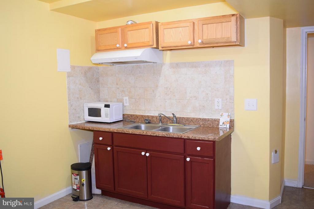 Lower Level Laundry Room w/Cooking Area - 6016 PRESWELL CT, GAINESVILLE