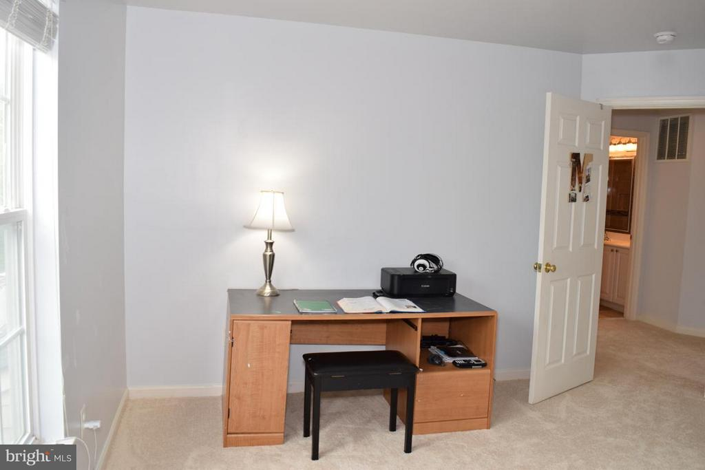 Freshly Painted Throughout in Neutral Colors - 6016 PRESWELL CT, GAINESVILLE