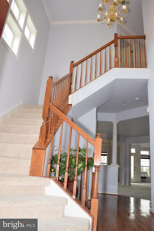 Foyer w/Grand Staircase - 6016 PRESWELL CT, GAINESVILLE