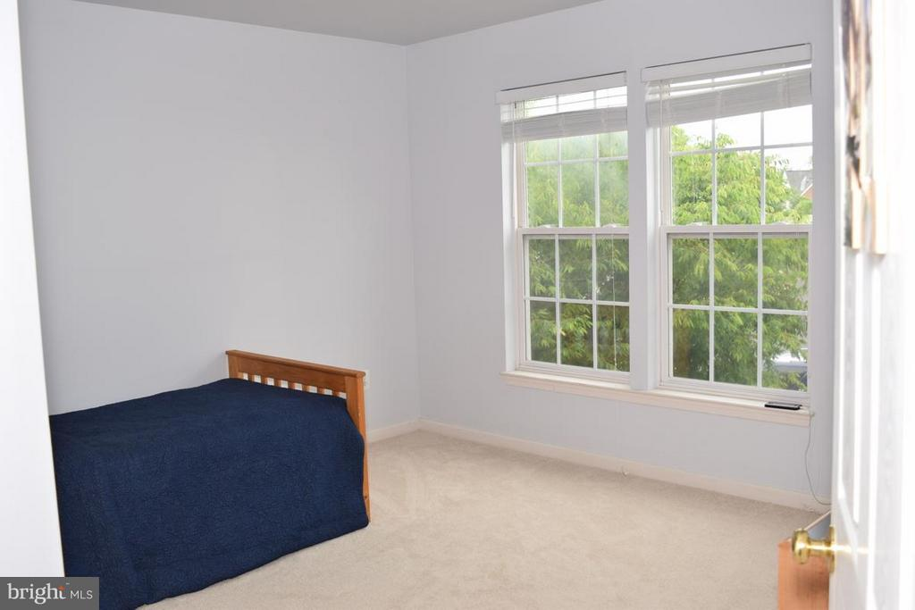New Carpeting on All 3 Levels - 6016 PRESWELL CT, GAINESVILLE