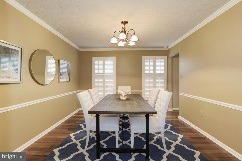 Beautiful plantation shutters throughout home - 7317 JENNA RD, SPRINGFIELD