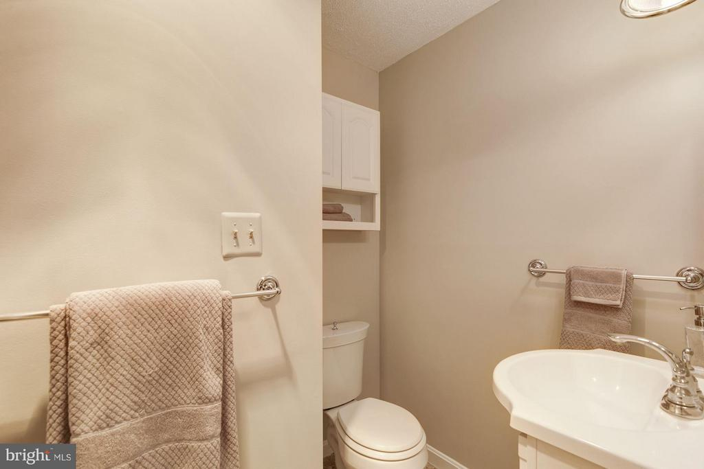 Full Bath in basement - 7317 JENNA RD, SPRINGFIELD