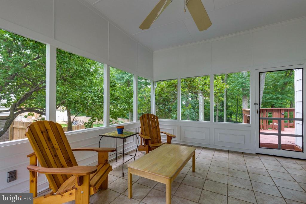 Screened In Porch walks out to Deck - 4640 TARA DR, FAIRFAX