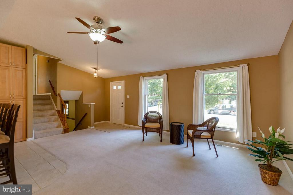 View to upper level bedrooms - 10306 STEAMBOAT LANDING LN, BURKE