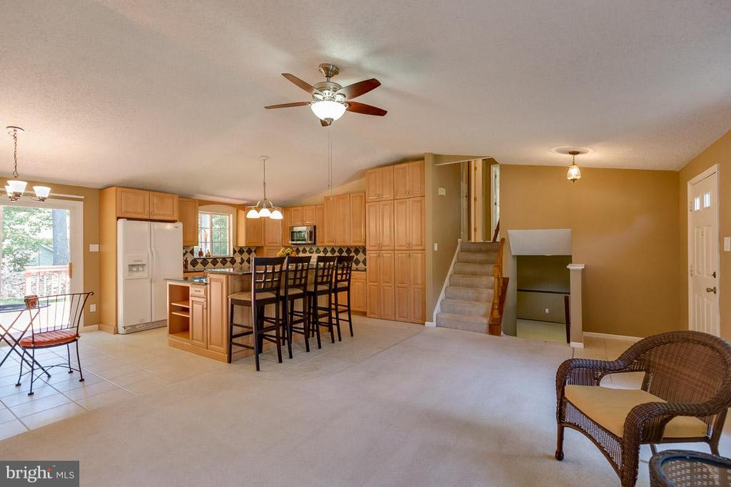 Open floor plan - 10306 STEAMBOAT LANDING LN, BURKE